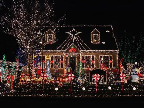 istock-2309123_over-the-top-exterior-christmas-lights_s4x3-jpg-rend-hgtvcom-966-725